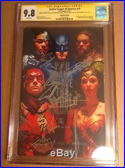 CGC SS 9.8 Justice League of America #15 Foil Variant signed Gadot Cavill 3 more