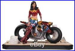 DC Collectibles GOTHAM CITY GARAGE WONDER WOMAN STATUE NEW IN BOX ONLY 5000