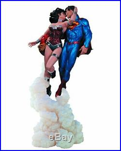 DC Collectibles Superman and Wonder Woman The Kiss Statue REPAIRED B