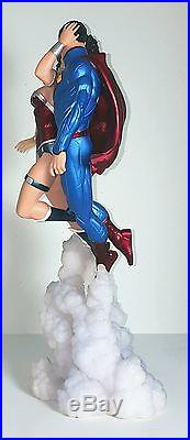FULL-SIZED'The Kiss' Wonder Woman & Superman 2013 Statue EXCELLENT CONDITION