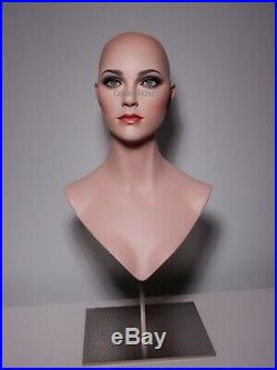 Female WONDER WOMAN mannequin wig bust GREEN GLASS EYES