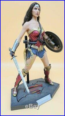 Hot Toys 1/6 Wonderwoman Gal Gadot 1. Edition