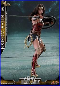 Hot Toys MMS450 Justice League 1/6th scale Wonder Woman Collectible Figure