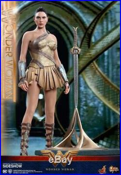 Hot Toys Mms424 Wonder Woman Training Armor Version 1/6 Action Figure