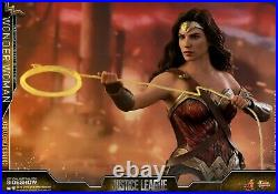 Hot Toys Wonder Woman Deluxe Version Sixth Scale Collectible Figure MMS451