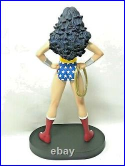 New Old Stock WARNER BROS The WONDER WOMAN Statue Figurine WithBox Superman