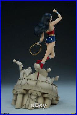 Sideshow Wonder Woman DC Comics Animated Series Collection Statue In Stock