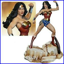 Statue Fully painted new in the box DC Comics Super Powers Wonder Woman