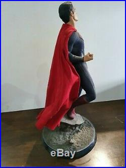 Superman 14 scale Premium Format Figure Statue Sideshow Collectibles Used