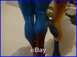 Superman &/and Wonder Woman The Kiss Statue Used with Box Jim Lee/Tim Bruckner
