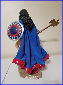 Wonder Woman 1/4 Scale Museum Quality Statue Damaged see pics