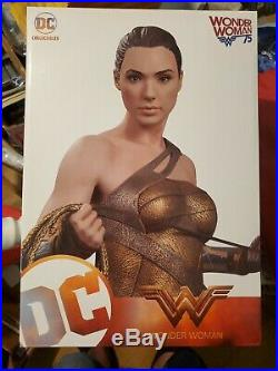 Wonder Woman/Gal Gadot in Training Outfit Statue! #287/5000! Super Rare