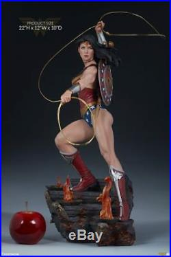Wonder Woman Premium Format Figure by Sideshow Collectibles 0201/5000