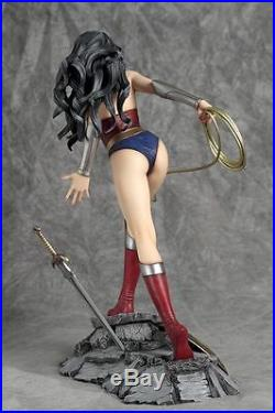 Yamato DC Collection Wonder Woman Resin Statue 1/6 Scale New # 493 / 2500 Coa